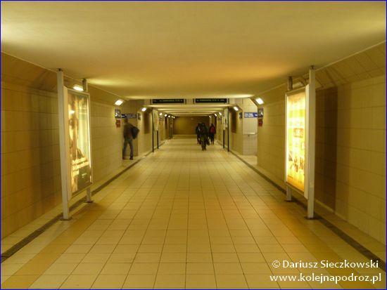 Ostrava-Svinov - przejście na perony