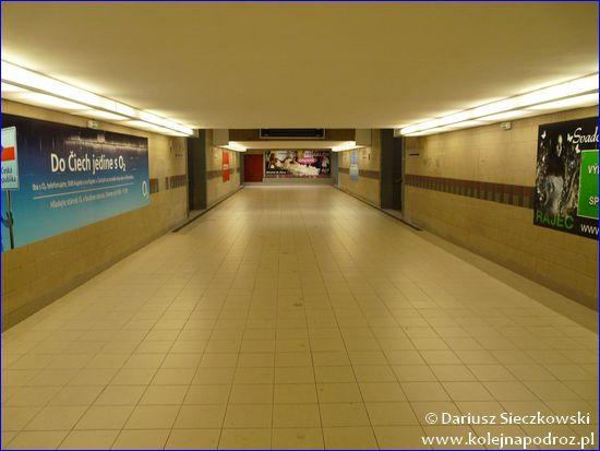 Żylina - przejście podziemne na perony