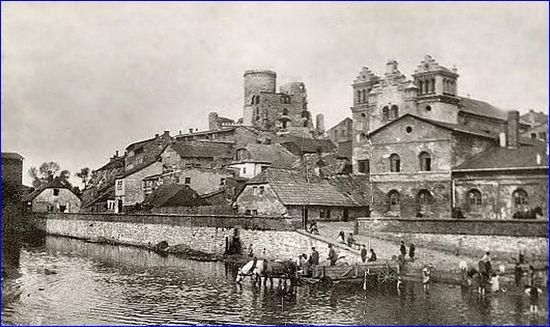 Podzamcze na początku XX wieku (źródło: Wikimedia Commons)