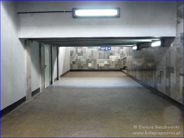 Katowice Ligota - przejście na perony