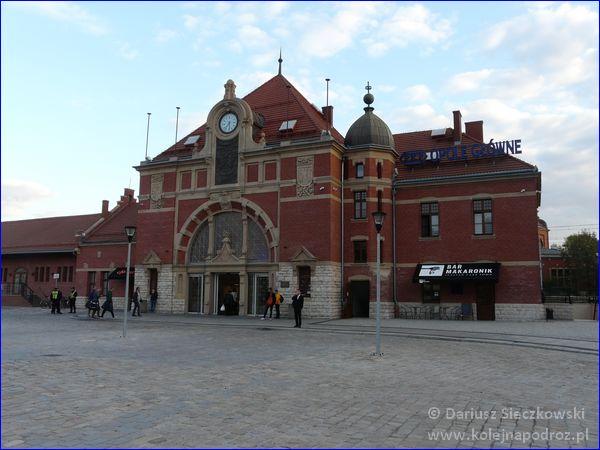 Opole Główne - budynek wejściowy