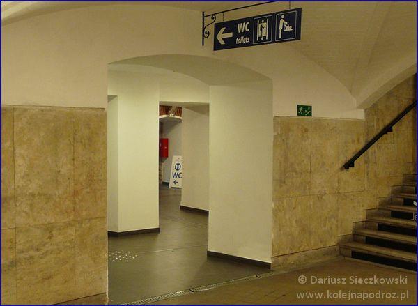 Opole Główne - toalety w tunelu