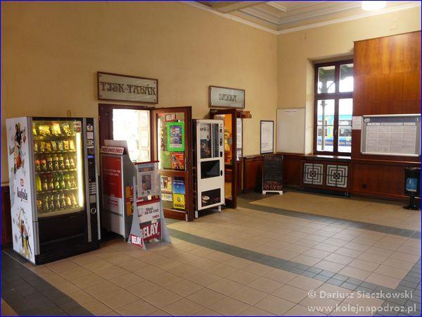 Frydek-Mistek - dworzec kolejowy - sklepiki