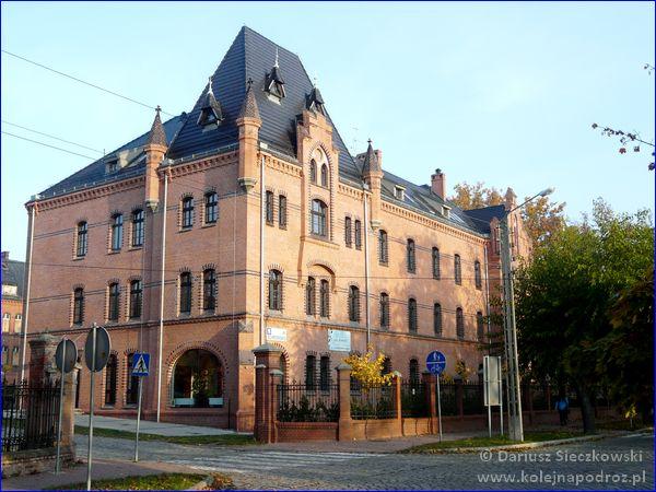 Szkolne Schronisko Młodzieżowe Dąbrówka w Prudniku - budynek