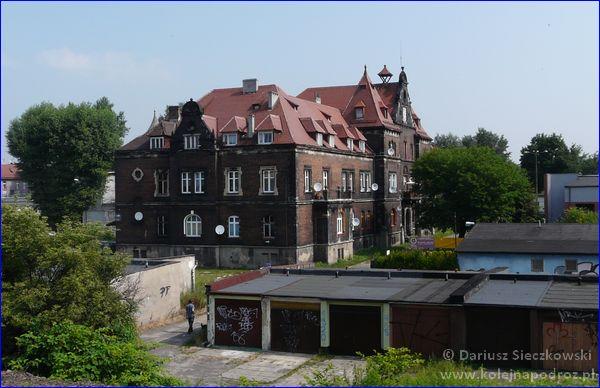 Świętochłowice dawna Dyrekcja Kopalń i Hut Księcia von Donnersmarck (widok z pociągu)