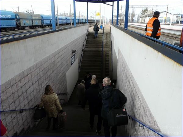 Schody na perony