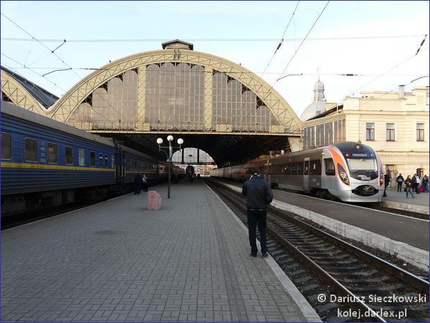 Lwów - hala peronowa