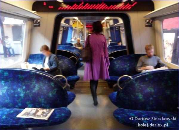 Podmiejski pociąg