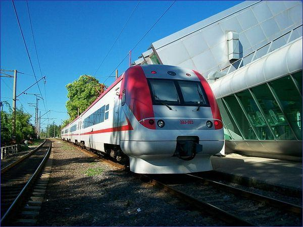 Taki pociąg spotkamy na trasach Tbilisi - Batumi i Tbilisi - Poti (aut. Viggen, CC-BY-SA, Wikimedia Commons)