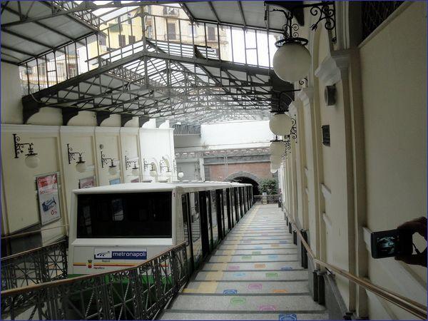 Kolej linowo-terenowa Neapol