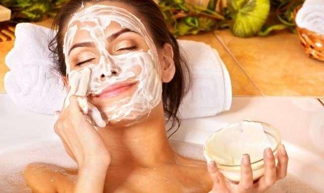 4 зволожуючі маски для обличчя проти зимової сухості
