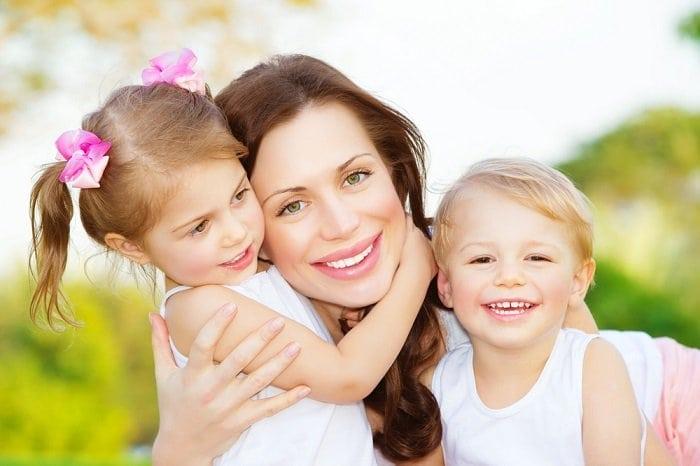 День матері: історія свята, вірші, привітання