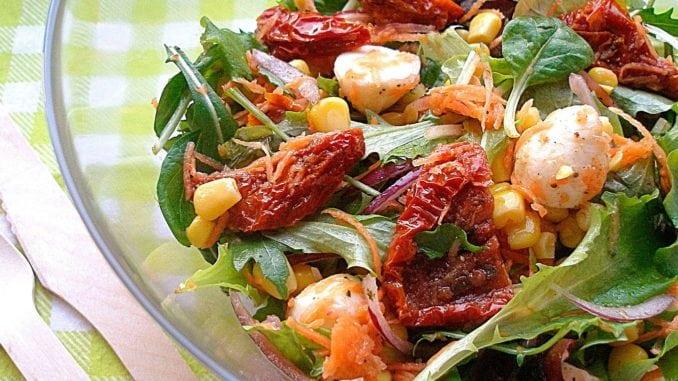 Салат з в'яленими помідорами