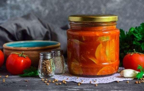 Кабачки в томатному соусі на зиму: простий і швидкий рецепт