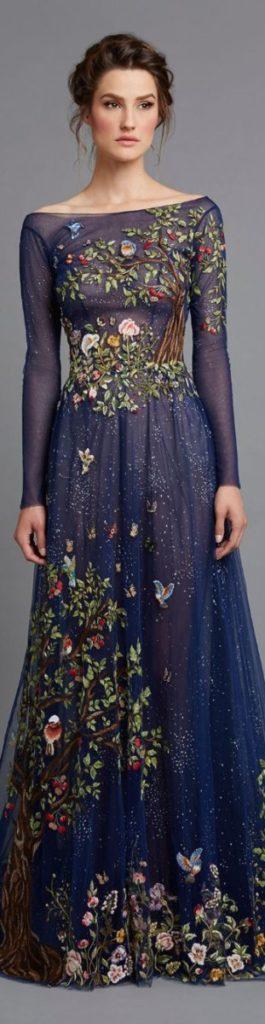 Чудова підбірка вечірніх суконь з вишивкою від іменитих дизайнерів