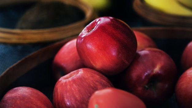 10 причин їсти яблука кожен день