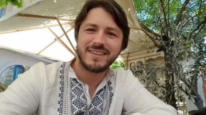 Гарно та стильно: українські зірки у вишиванках (фото)
