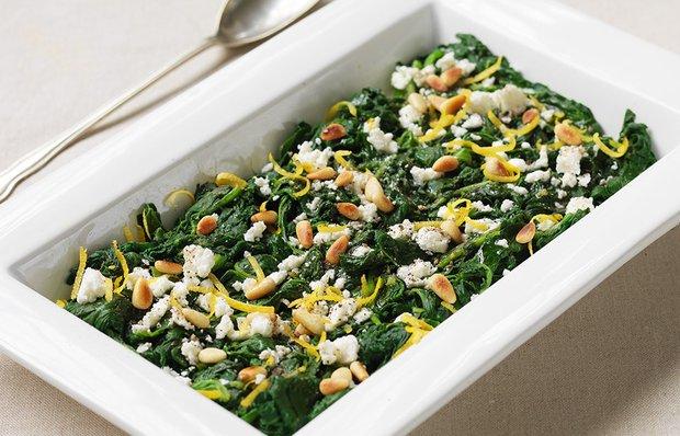 Салат зі шпинатом і сиром Фета