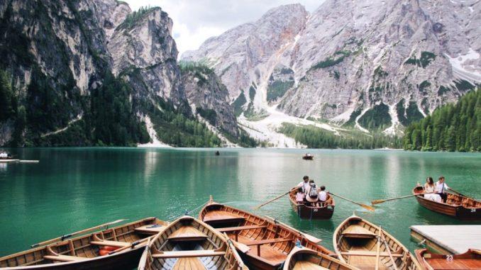 Альпійська казка - озеро Lago di braies: як добратися та де зупинитися