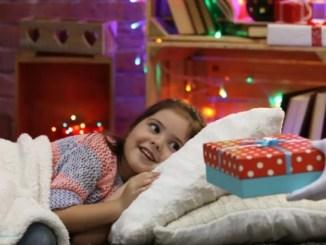 Шпаргалка для родителей: что подарить ребенку на День Святого Николая