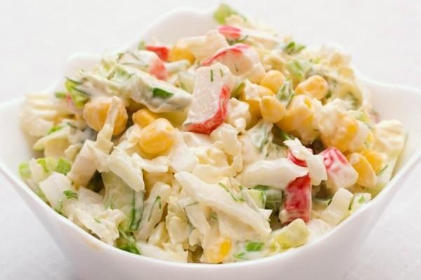Салат з пекінської капусти і крабовими паличками