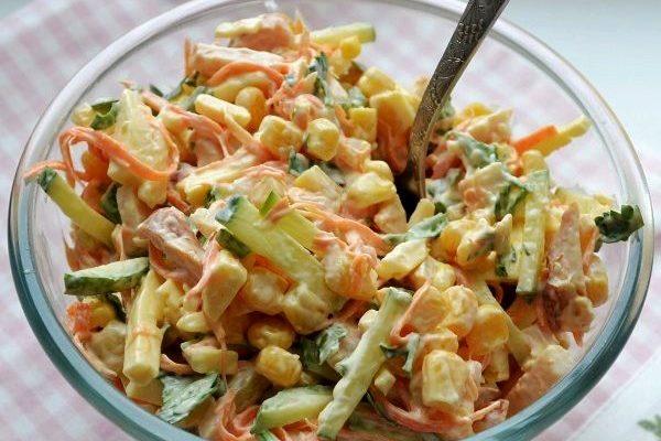 Салат з курки, корейської моркви та кукурудзи