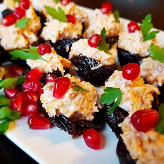 Фарширований чорнослив — смачна закуска до святкового столу