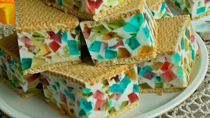 Торт з печивом «Бите скло» без випічки — покроковий рецепт