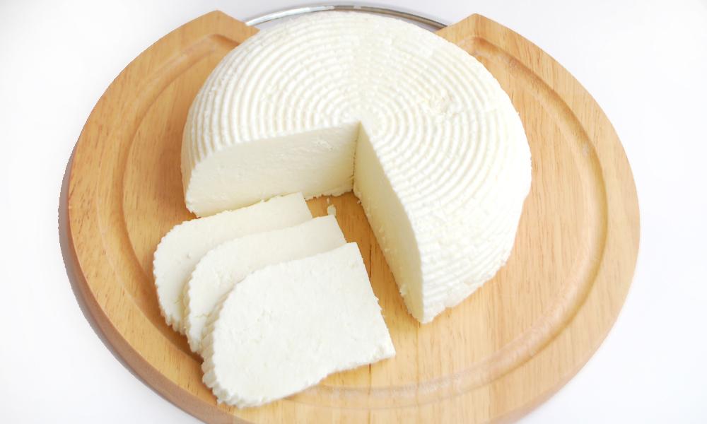 «Адигейський сир» в домашніх умовах