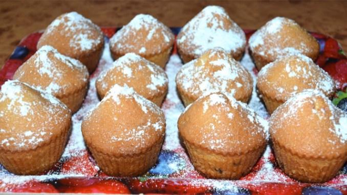 Рецепт м'яких і ароматних кексів за 15 хвилин