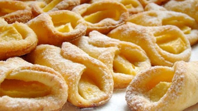 Низькокалорійне сирне печиво з яблуками. Смаколики без яєць та масла - для тих, хто стежить за фігурою!