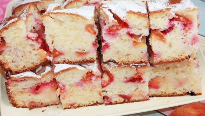 Найлегший рецепт фруктового пирога: тісто готую без міксера за 5 хвилин. Пиріг зі сливами на швидку руку
