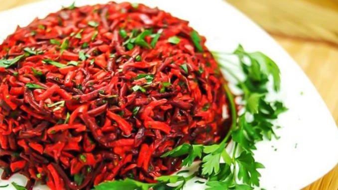 Салат для очищення кишечника та схуднення: сприятливо впливає на мікрофлору, очищає організм від шлаків і токсинів