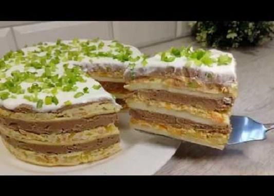 Гості будуть просити рецепт: ніжний і соковитий торт з курячим паштетом!