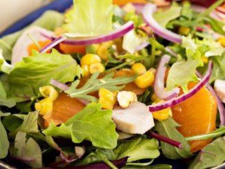 10 святкових салатів, від яких гості будуть в захваті