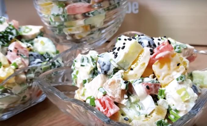Дуже смачний салат «Білосніжка» — покроковий рецепт приготування