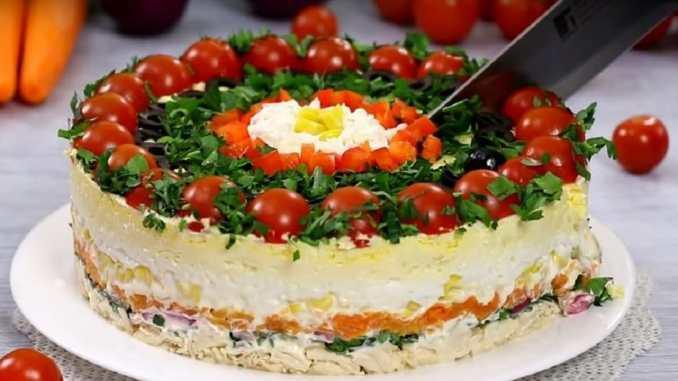 Неймовірно ефектний і ситний багатошаровий салат «Гості за столом». Родзинка святкового столу!