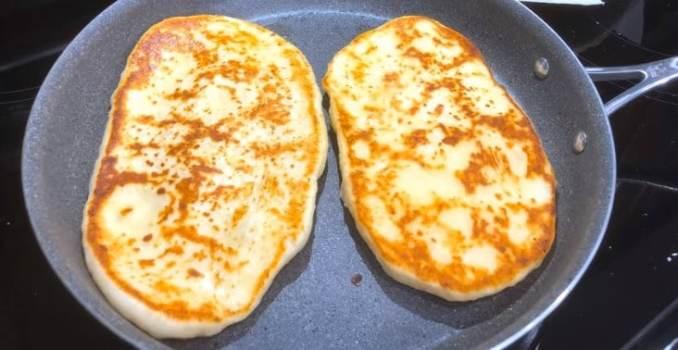 200 г сиру і трохи кефіру — найсмачніший сніданок на велику сім'ю, пальчики оближеш
