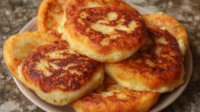 Коли залишається варена картопля, готую «Пташине молоко»: мій рецепт найсмачніших і соковитих картопляних котлет
