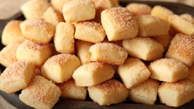 1 склянка кефіру і через 10 хвилин смакота на столі! Печиво на кефірі готується швидко і просто!