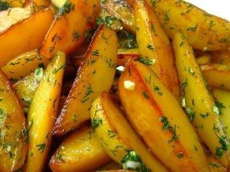 Картоплю в соєвому соусі, запечена в духовці. Весь секрет в правильних пропорціях!