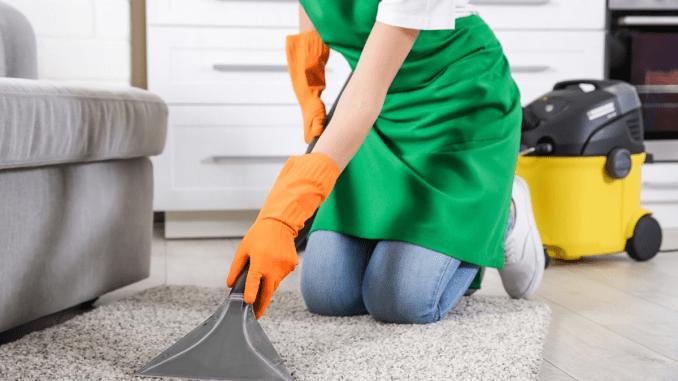 Професійна чистка килимів спеціалістами Домової служби у Львові