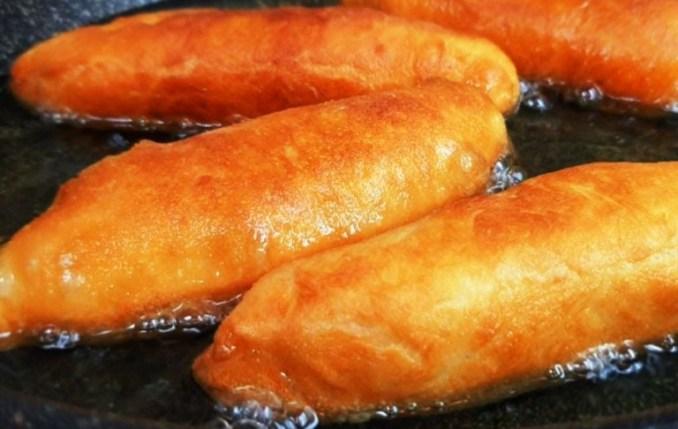 Ці пиріжки немов казка: хоч смаж, хоч печи! Неймовірний рецепт тіста