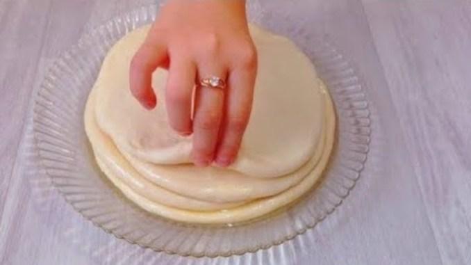 ГОТУЮ ВЖЕ ДРУГИЙ ДЕНЬ! Змішайте борошно, манку і кефір! Неймовірно смачний сніданок на столі!