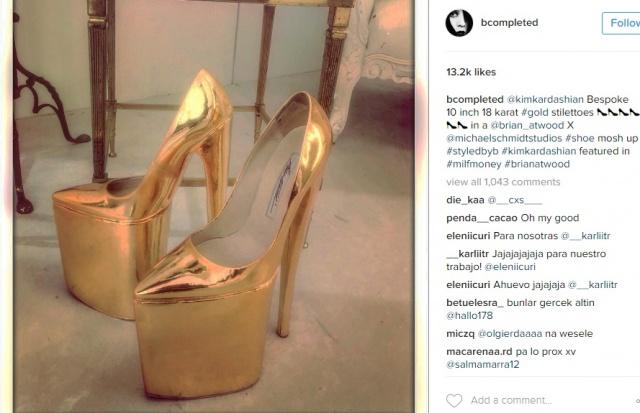 بي اركرلاند حذاء من الذهب الخالص