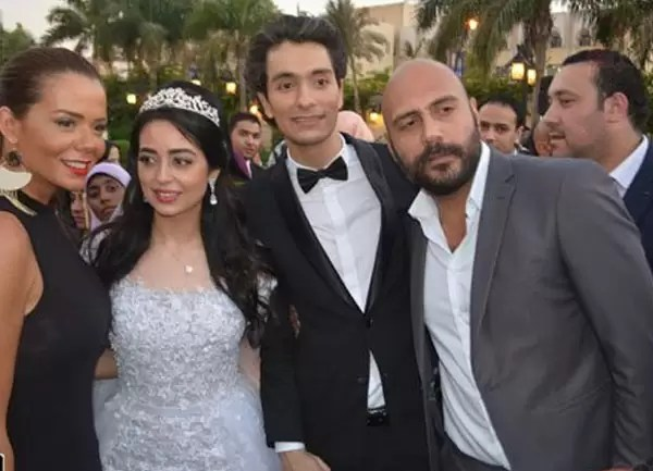 هبة مجدي و محمد محسن و يحيى الفخراني