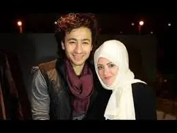 حمادة هلال وزوجته
