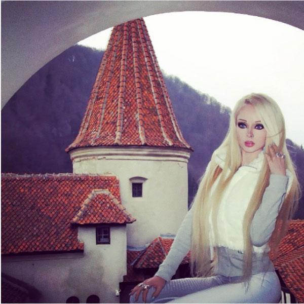 فاليريا لوكيانوفا - فتاة الباربي