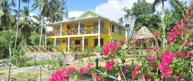 yellow_home_casabaja
