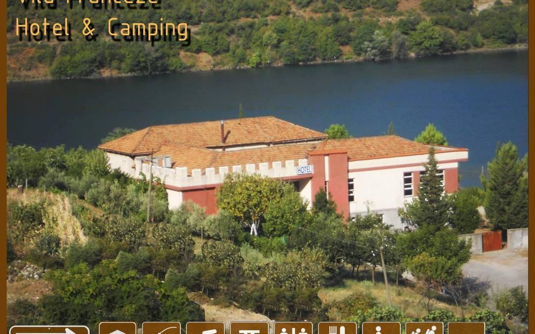 Hotel / Camping in Koman